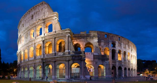The Coliseum is one of the world's most famous monuments. It is a few minutes walk from the Hotel Piccadilly!