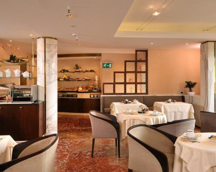 Situated in a panoramic position overlooking the city, the breakfast room at the Best Western Hotel Piccadilly, besides being comfortable and refined, hosts the buffet the ideal place to start the day in the capital. The foods offered range from classic Italian breakfast, with croissants and freshly baked pastries and aromatic coffee, to the saltier international breakfast.