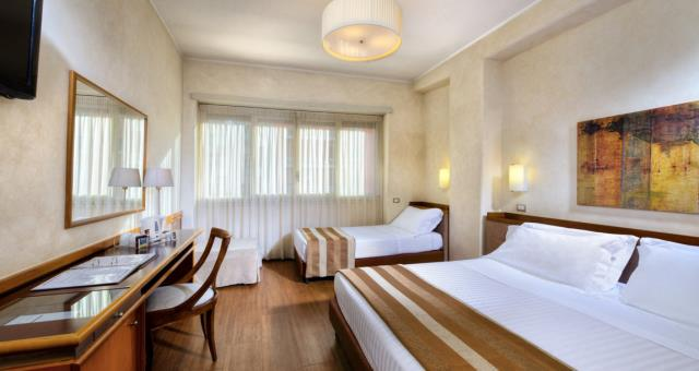 Check out the triple rooms at Piccadilly!