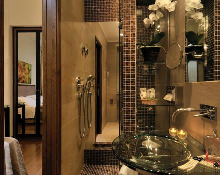 Check out the design of the new baths in the comfort rooms of the Hotel Piccadilly!